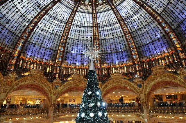 ob_77688f_paris-illuminations-noel-2012-galeries
